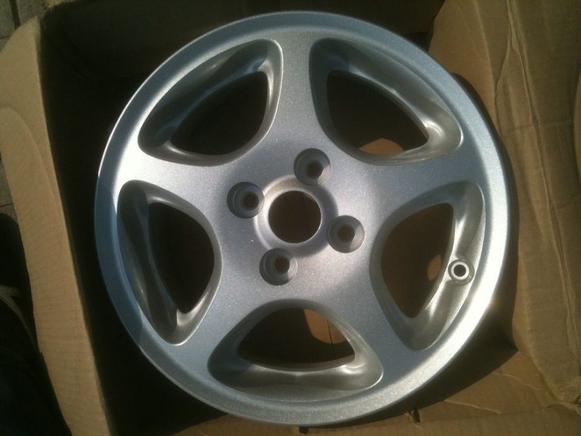 Mazda alloy wheel x1 MCAF743 AS1638 NEW