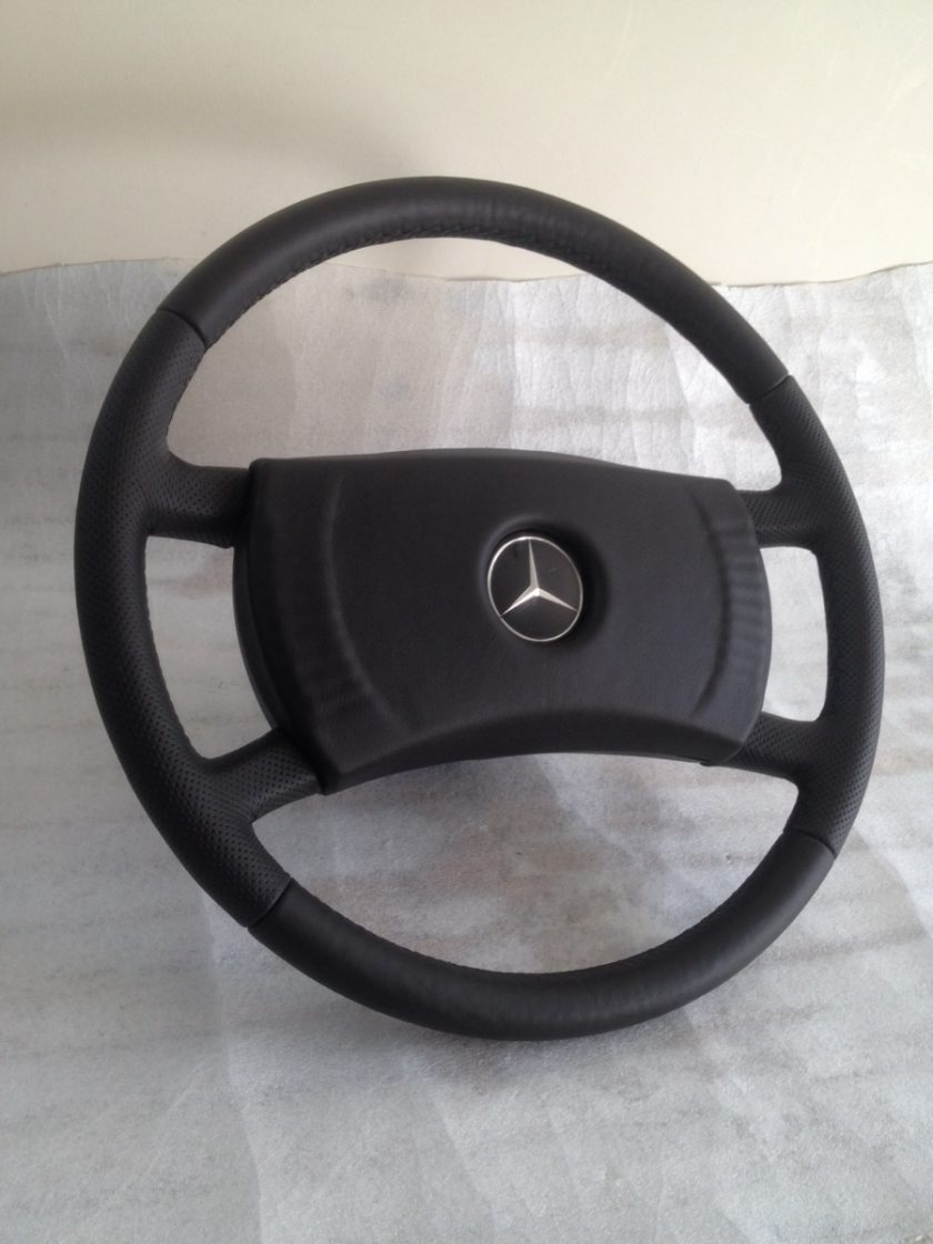 R107 wheel SL SLC W123 W126 W124 LEATHER STEERING WHEEL PERFORATED