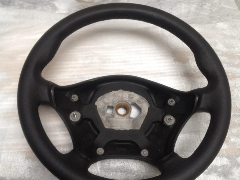 Sprinter 906 VW Crafter steering wheel Black leather black stitch + extra thumb rests (