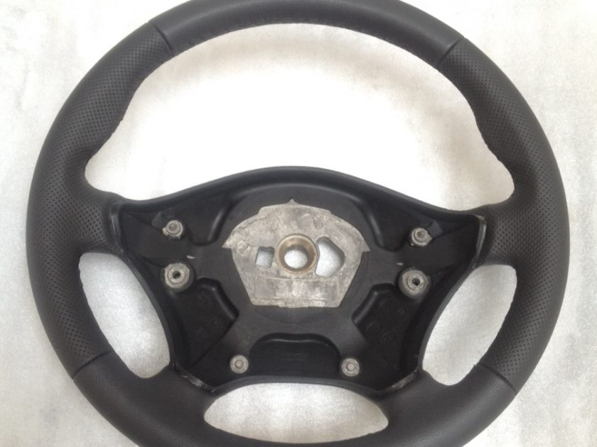 Mercedes Sprinter VW Crafter steering wheel Perfora leather + thumbrests new 9064640201