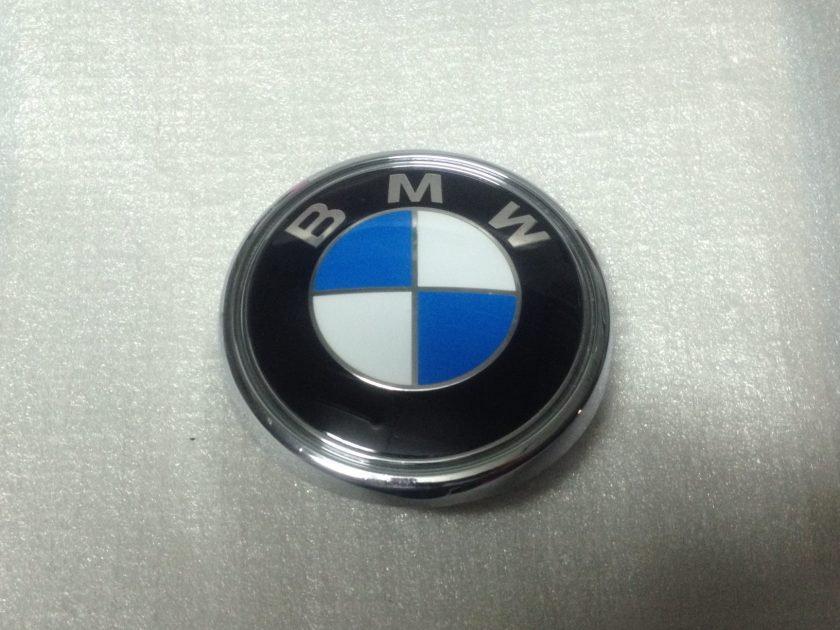BMW X3 E83 EMBLEM 3401005 BOOT BACK