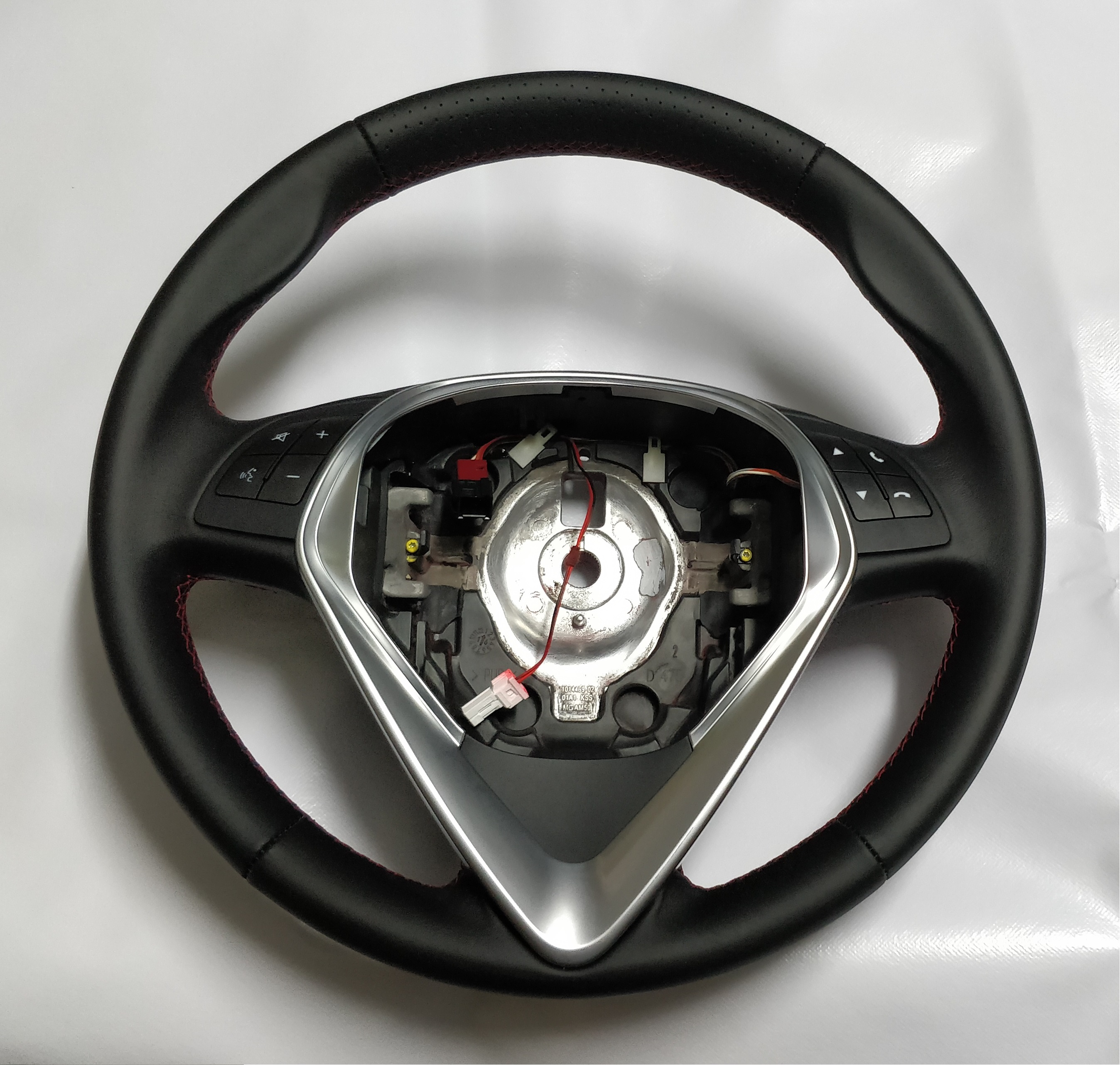 ALFA ROMEO GIULIETTA Leather Steering Wheel Red Stitch NEW