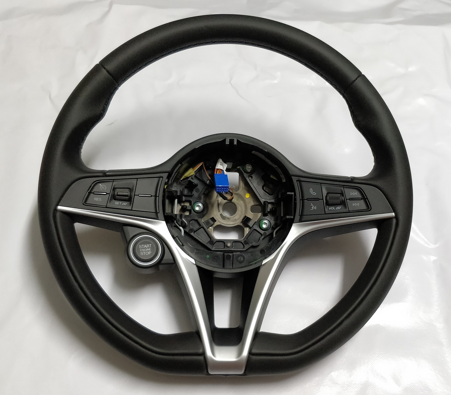 ALFA ROMEO Leather Steering Wheel Sport NEW Giulia Stelvio