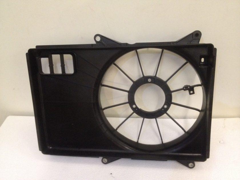 Suzuki Swift 1.3 DDiS radiator fan surroud Swift