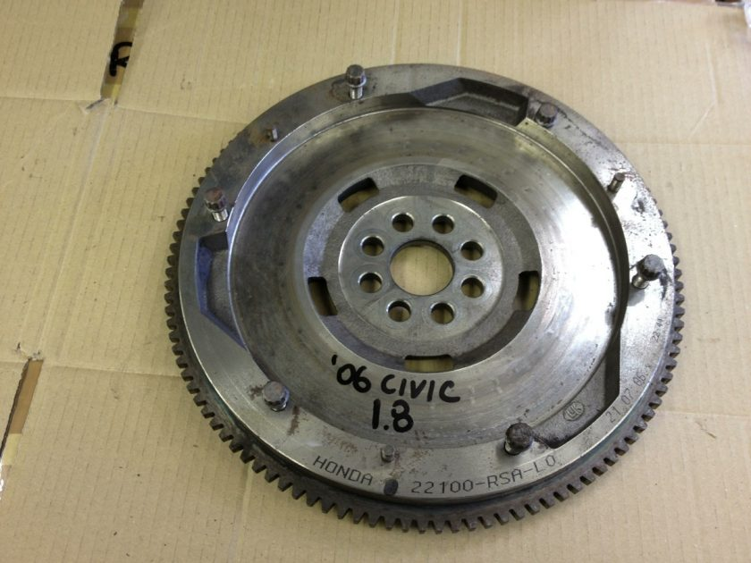 Honda flywheel semi-automatic civic 1.8 `06 22100-rsa 120422105