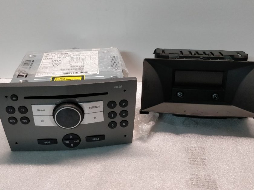 Opel Astra H mk5 stereo radio 13190856 453116246 CD player