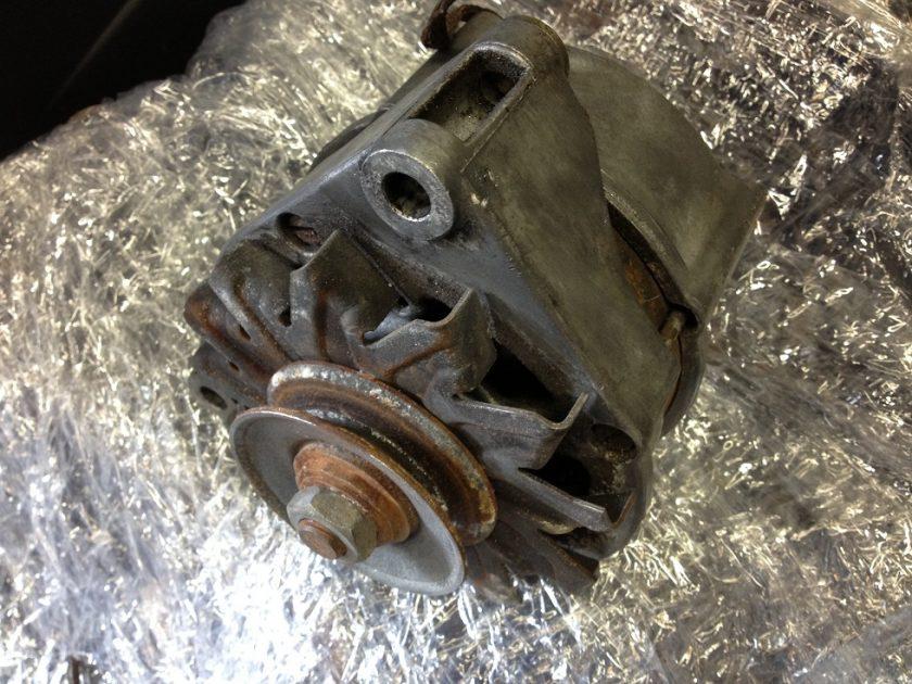Mercedes R107 Sl SLC alternator 280 `76 0986038780 BOSCH W116 W126