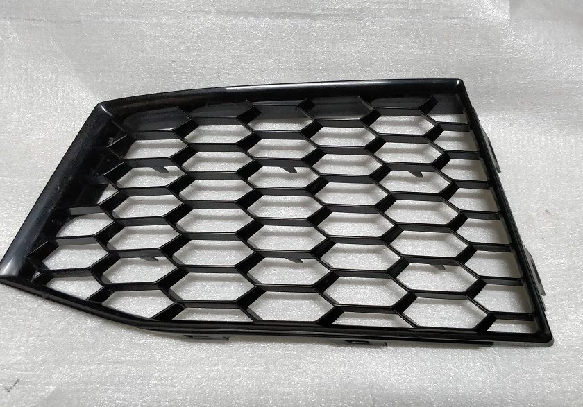bumper grille left Audi TT RS 16+ 8S0807681F Air Vent