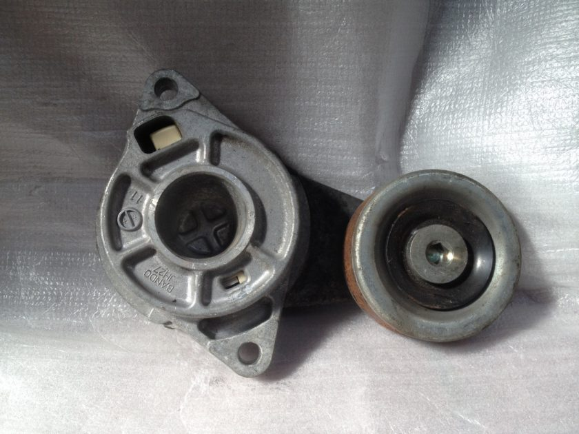 belt tensioner honda Jazz mk2 1.4 2010