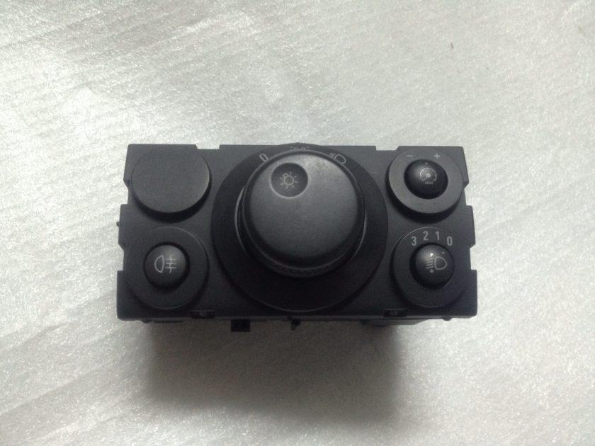 headlight control switch Astra MK5 13100136 04063030