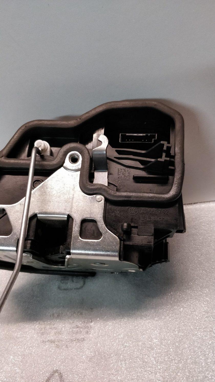 lock door Rear Left BMW F20 2013 053702