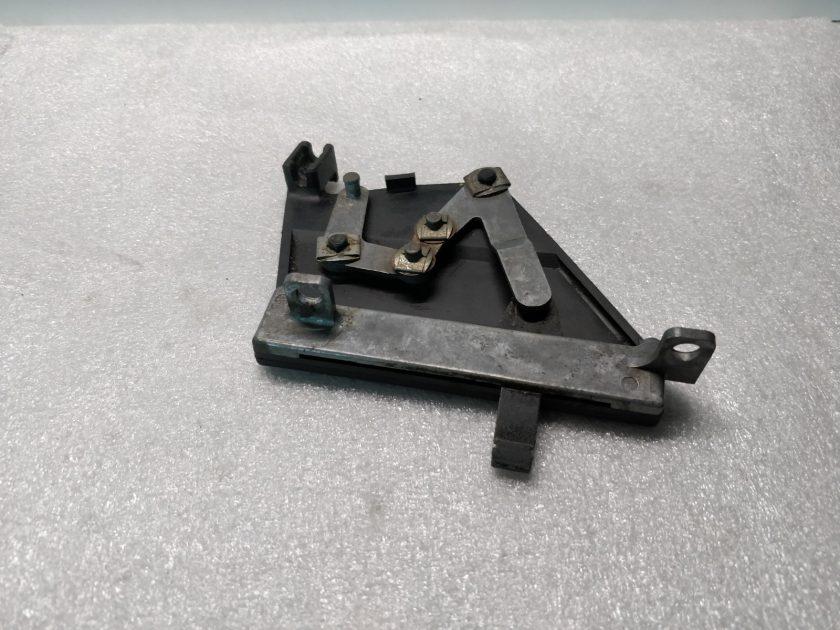 heater vent lever mechanism left mercedes R107 SL SLC 1078300385