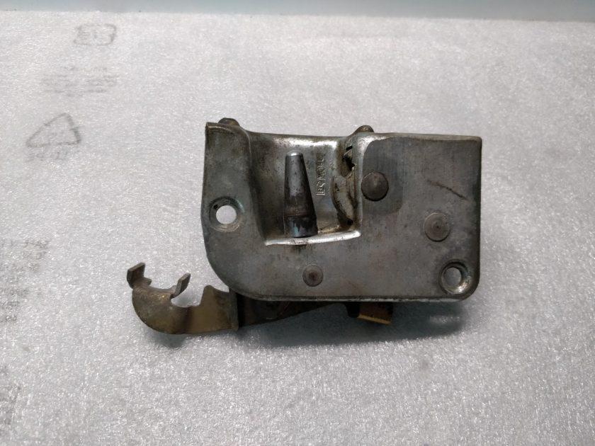 Mercedes R107 door lock Left N/S SL SLC