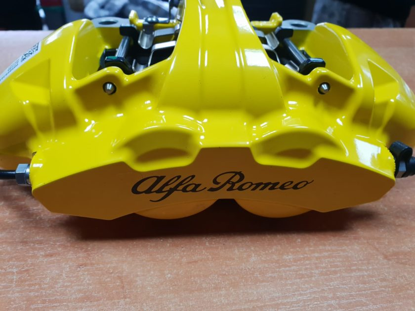 Brake Calipers 4pot Alfa Giulia Stelvio QV front Brembo Yellow