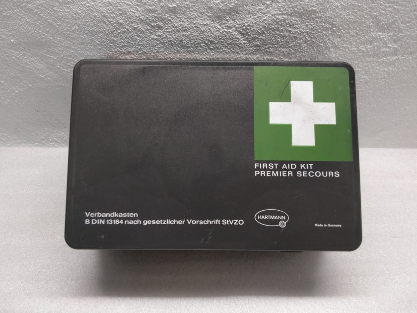 Mercedes R107 SLC W126 W123 First Aid Kit Hartmann W116 Classic Vintage