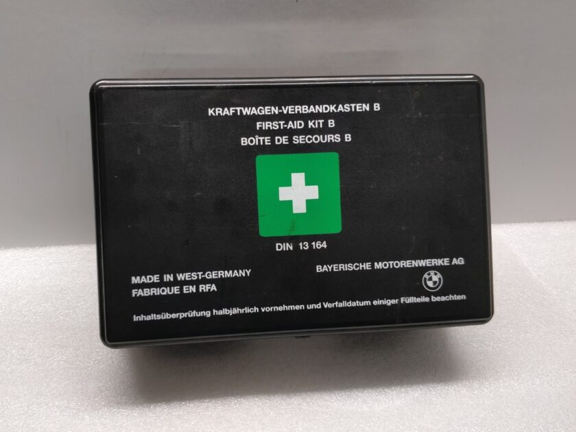 1993 E34 E30 BMW first aid kit classic rare E28 E24